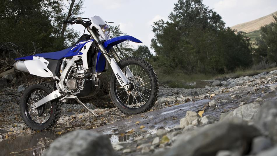 2015-Yamaha-WR450F-EU-Racing-Blue-Static-003