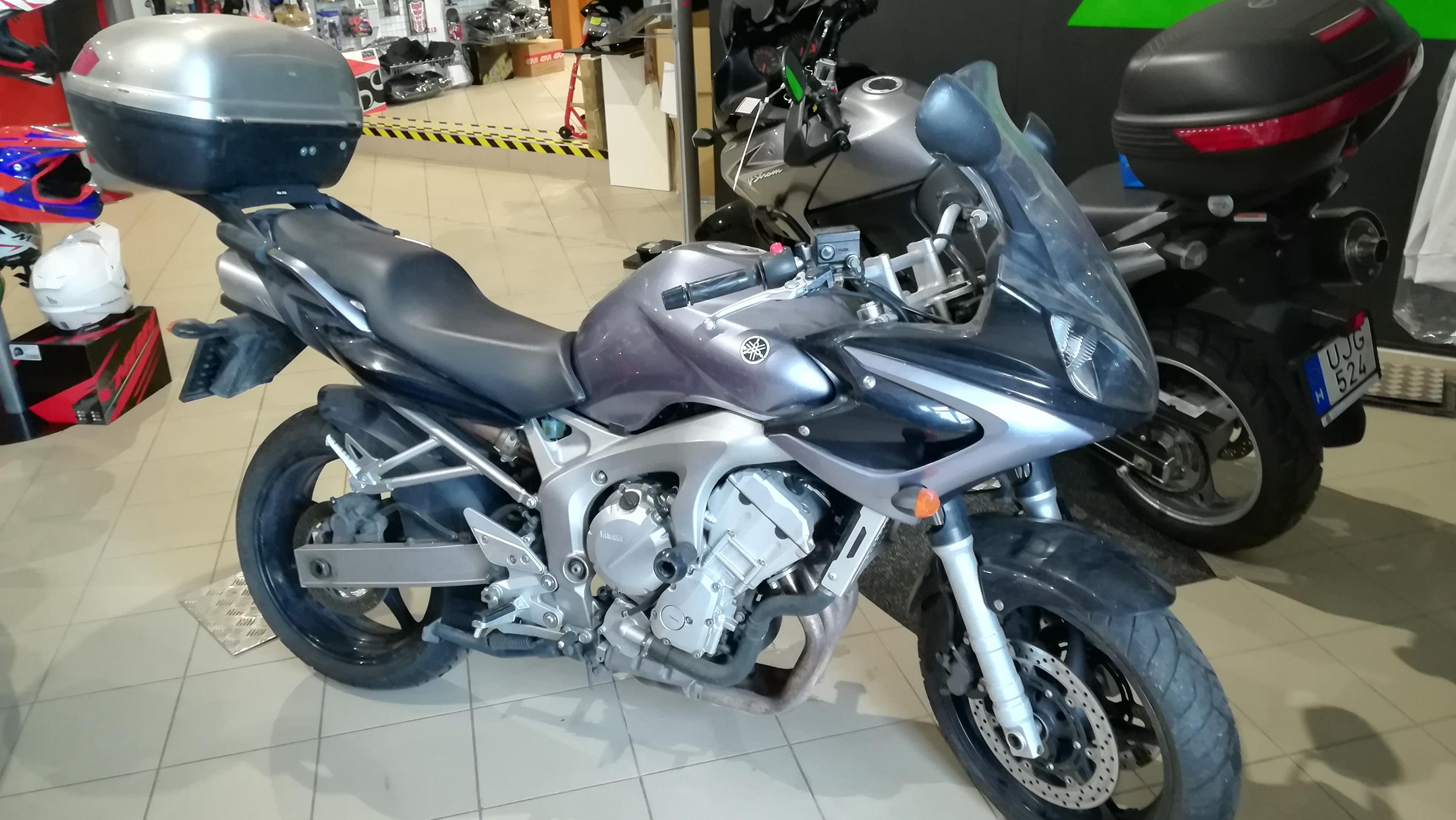 Yamaha FZ6S Fazer