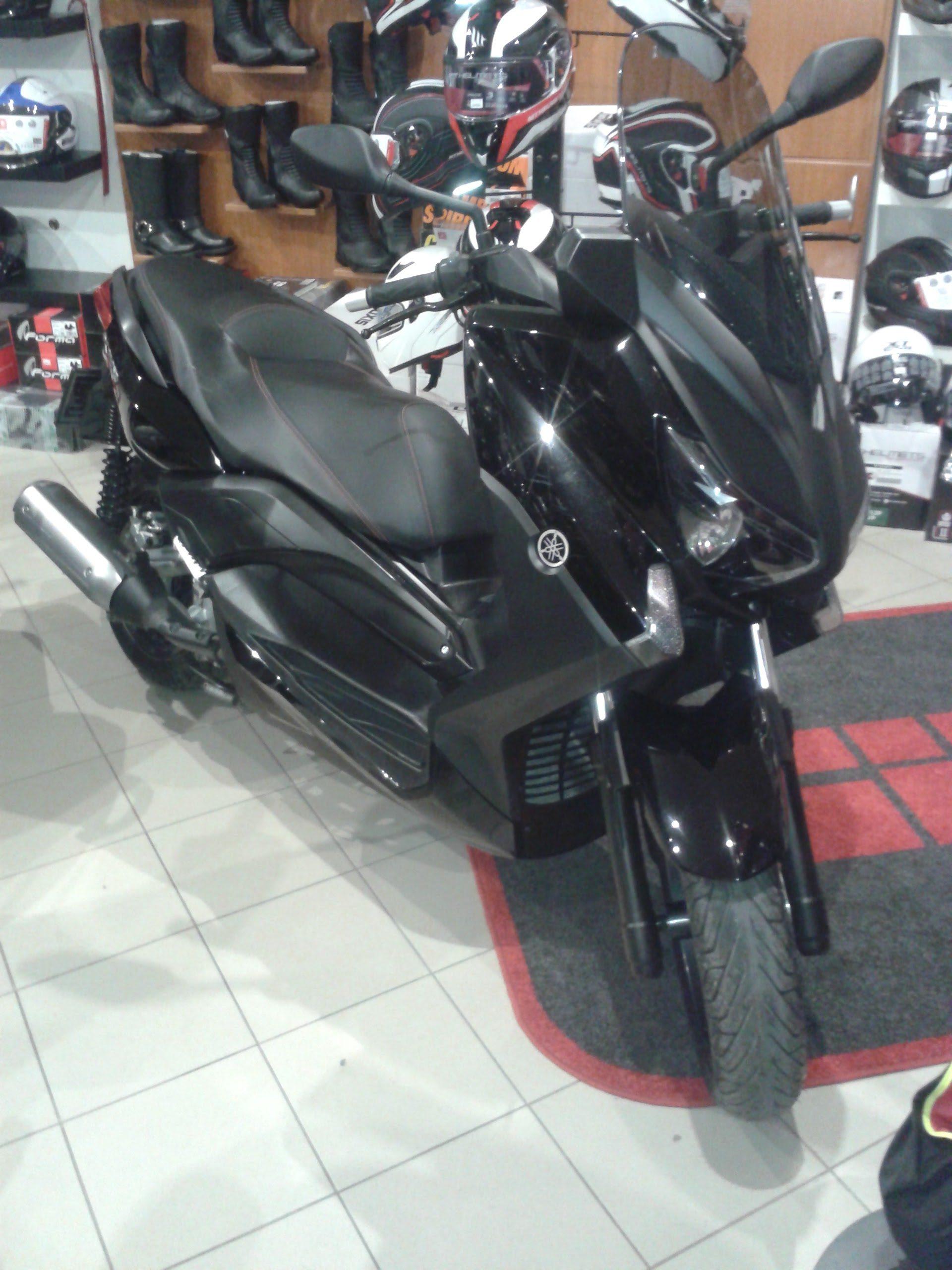 Yamaha X-Max250 ABS