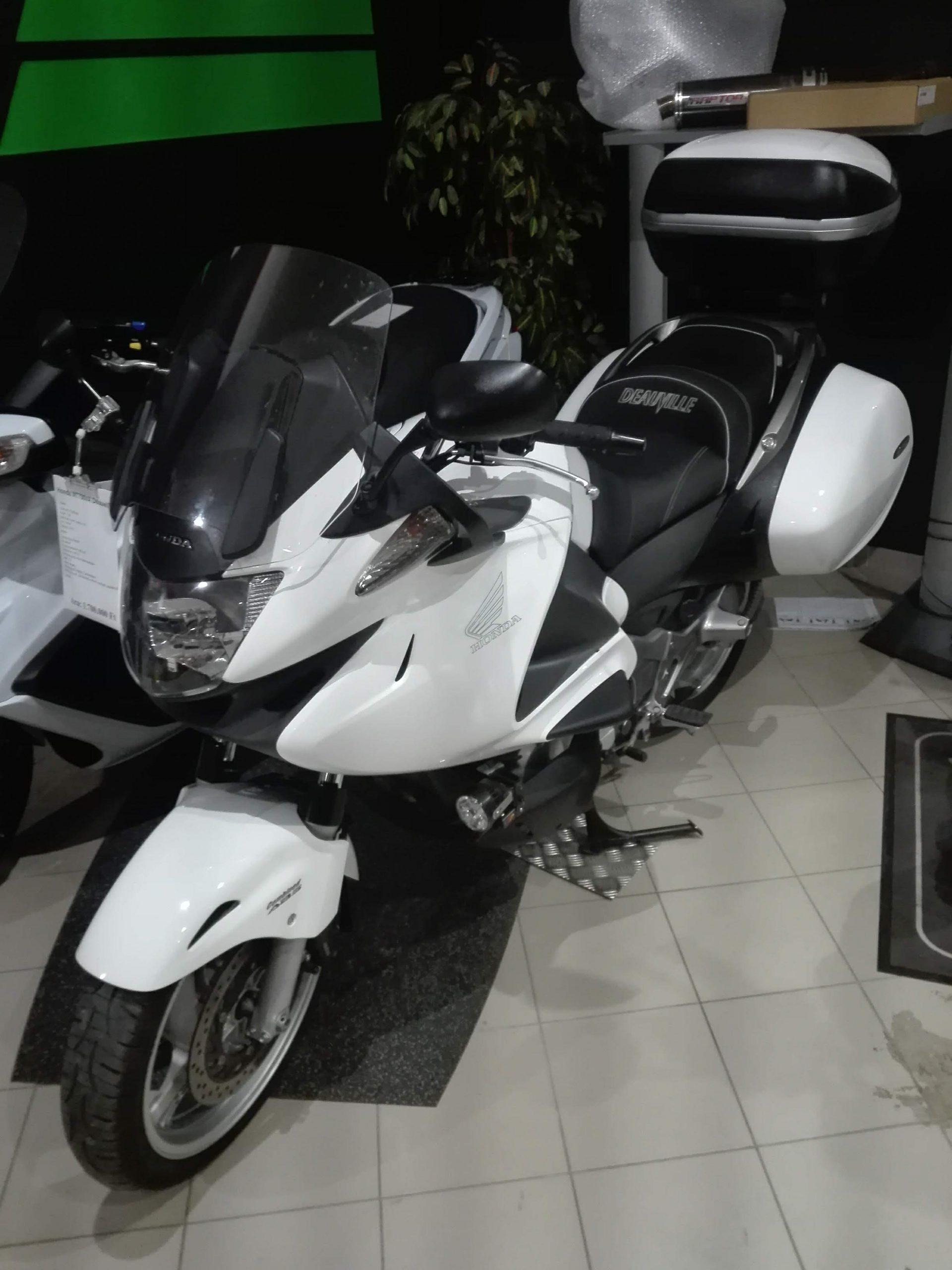 Honda NT700VA